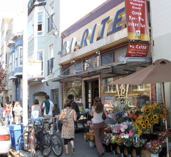 San Francisco Mission District Viator Travel Blog San Francisco Travel San Francisco Neighborhoods Mission District