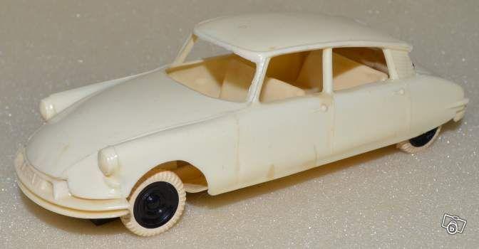 Bb30 rare Citroën DS 19 1/32 CLE avec aimant Jeux & Jouets Gard - leboncoin.fr