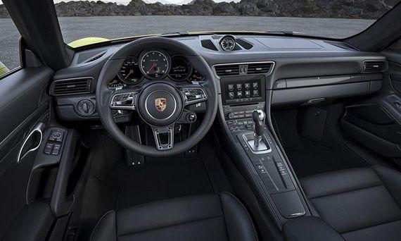 Интерьер купе Porsche 911 Turbo S 2017 / Порше 911 Турбо S 2017