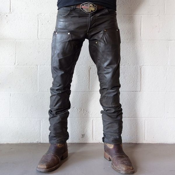 7ee0efbc5220e These pants are designed for durability and water resistance, with  double-layered waxed canvas on the front panels and sturdy rivets at stress  points for ...