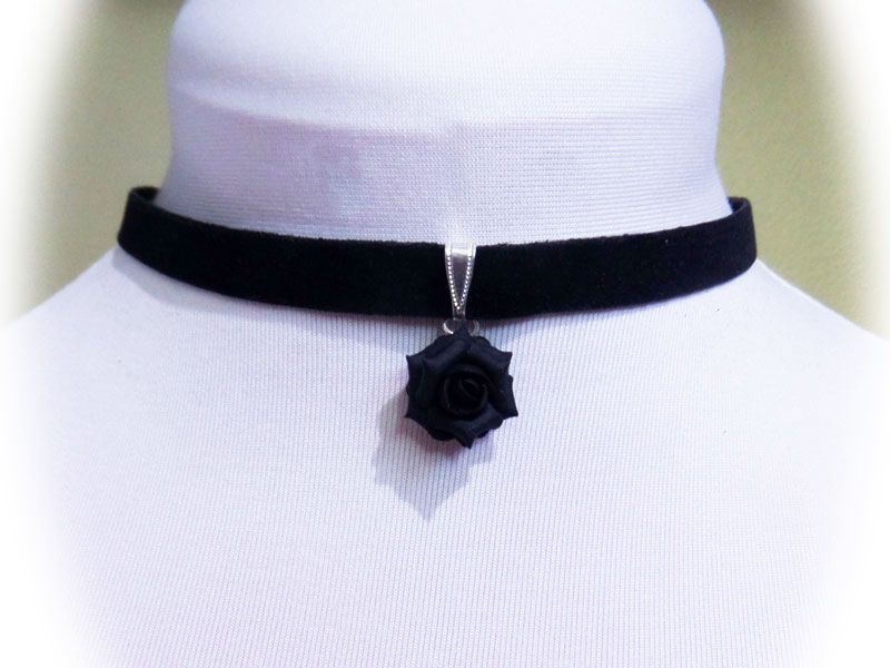 Rose Black Velveteen Choker