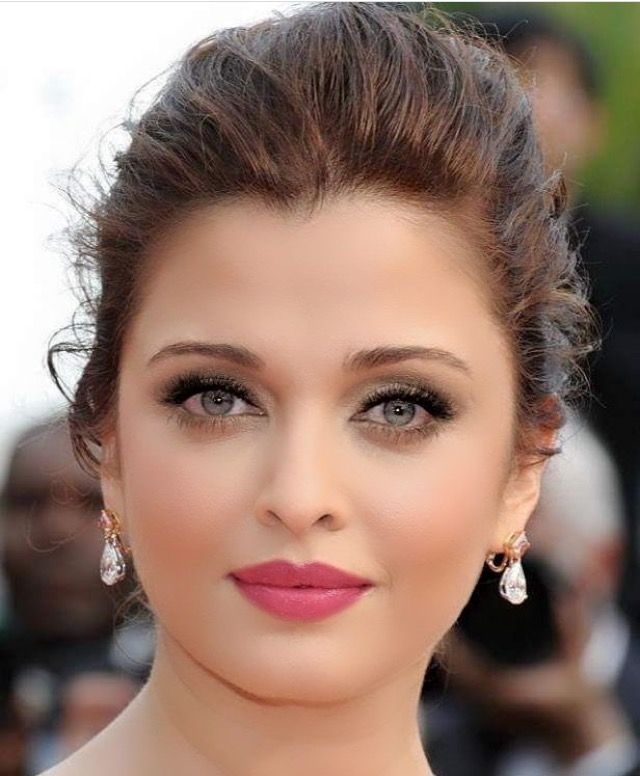 Aishwarya Rai Facebookilovehotandcutecelebrities