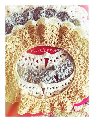 2012 work in progress: Colletto crochet.
