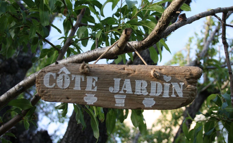 Pancarte decorative en bois flott theme cot jardin for Panneau bois flotte
