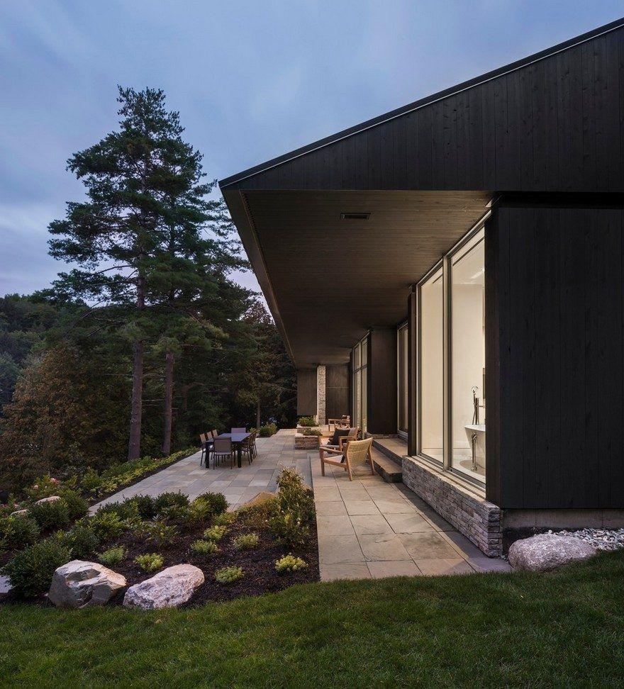 Slender house contemporary reinterpretation of the bungalow of the