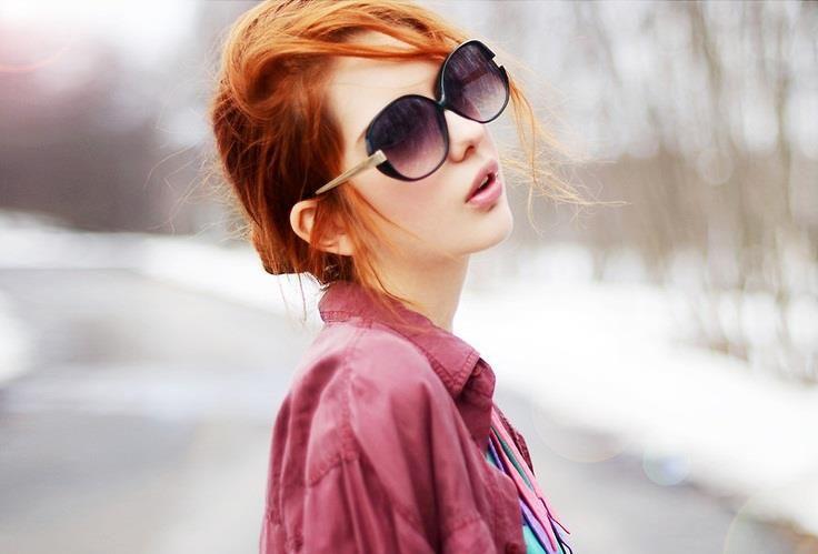 Outside redhead rushing