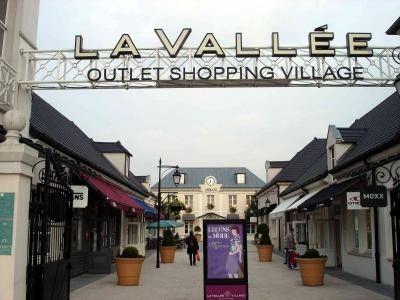 La Vallee Village Val D Europe Paris Paris Travel Paris Shopping