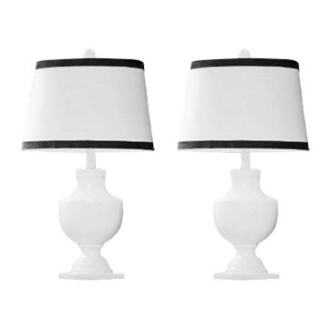 Decorating Tips   Get That Chanel Look With A Pair Of Black And White Table  Lamps