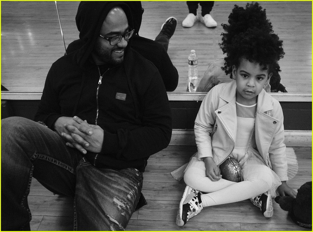 Awesome Beyonce Shares Adorable Photos Of Blue Ivy Chris Martin Short Hairstyles Gunalazisus