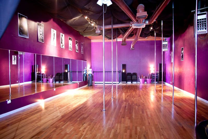 Best 25 pole dance studio ideas on pinterest aerial for Academias de bailes de salon en madrid