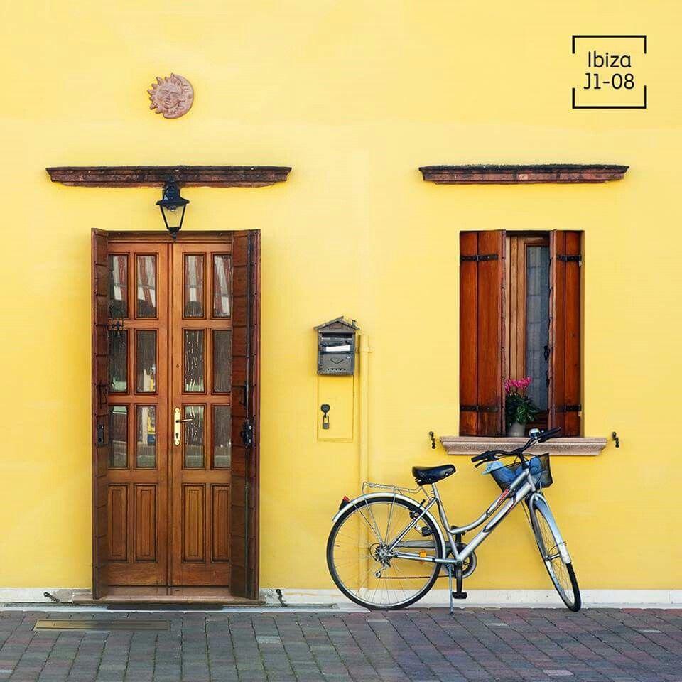 Ibiza comex decoraci n pinterest colores amarillo y for Casa villa decoracion exterior fachada