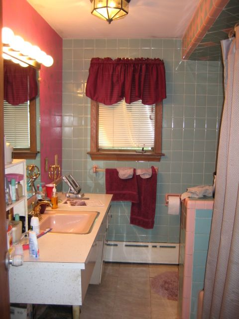 50s unmaster pink  baby blue bathroom this is awful