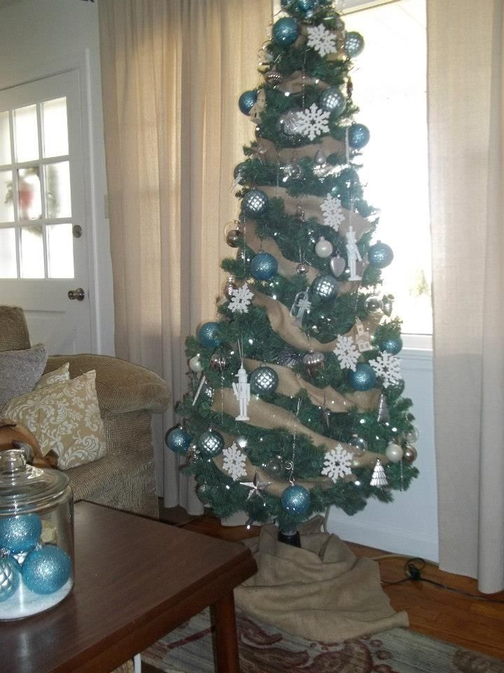 Skinny Christmas Tree With Burlap Garland Diy Project Burlap