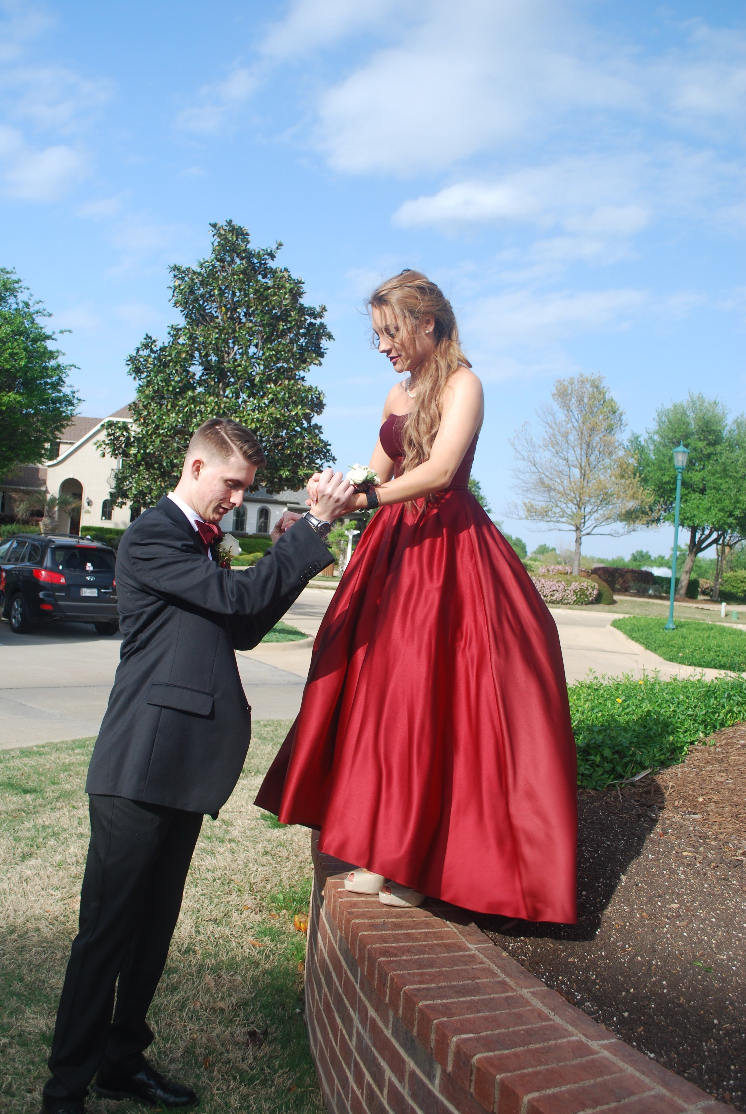 Pin by Caroline Grace on Prom Pictures 2018   Prom party ...