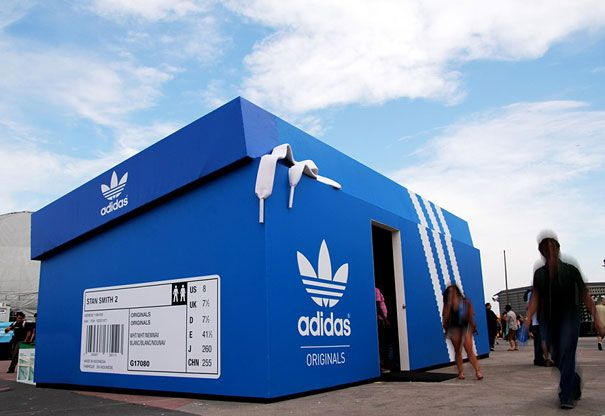 Adidas popup shoebox design