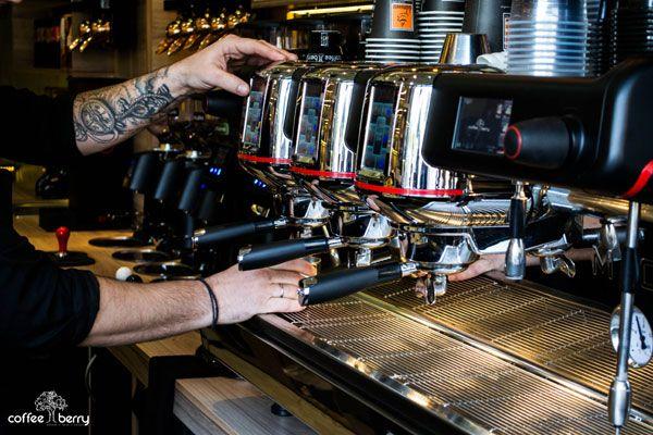 Η αυθεντική εμπειρία του third wave coffee! Μόνο στα Coffee Berry.