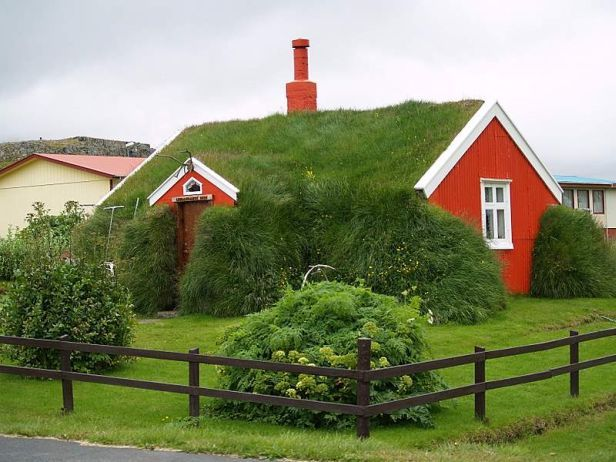 The Secret Life Of Green Roofs Slideshow Green Roof House Turf House Green Roof