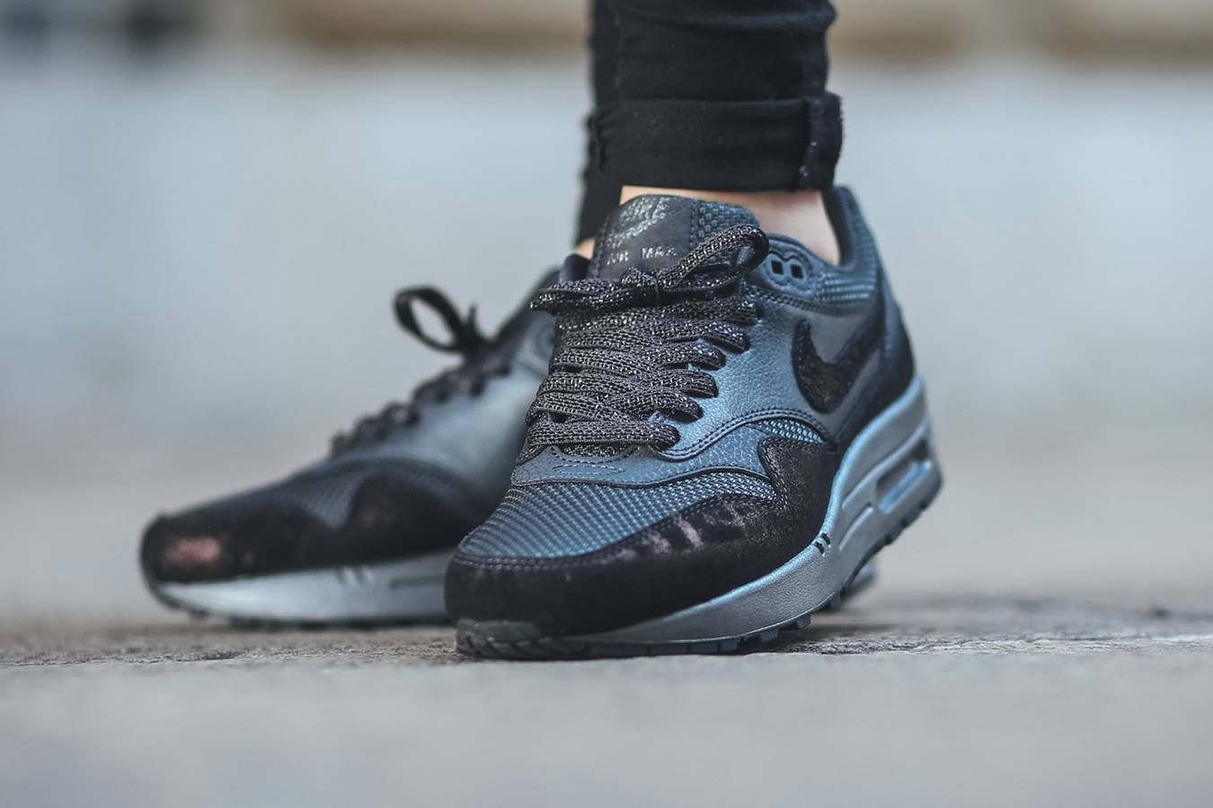 womens nike air max 1 premium running shoes