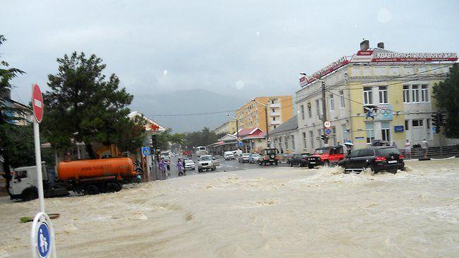 Inundações no sul da Rússia já causaram a morte de mais de 130 pessoas