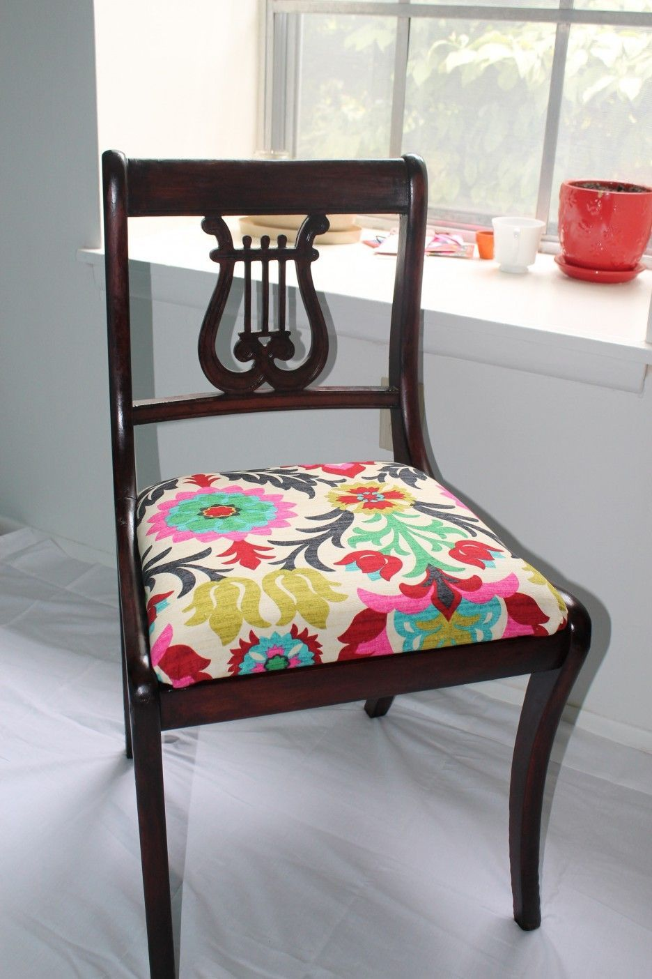 Furniture how much does it cost to reupholster a chair