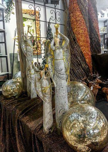 Weihnachtsdeko im blumenhaus engel dekoration weihnachten advent kugeln floristik ebk - Dekoration advent ...