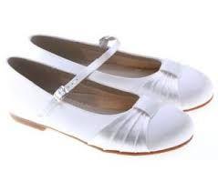 Znalezione Obrazy Dla Zapytania Fryzury Komunijne Pod Wianek Fashion Shoes Flats