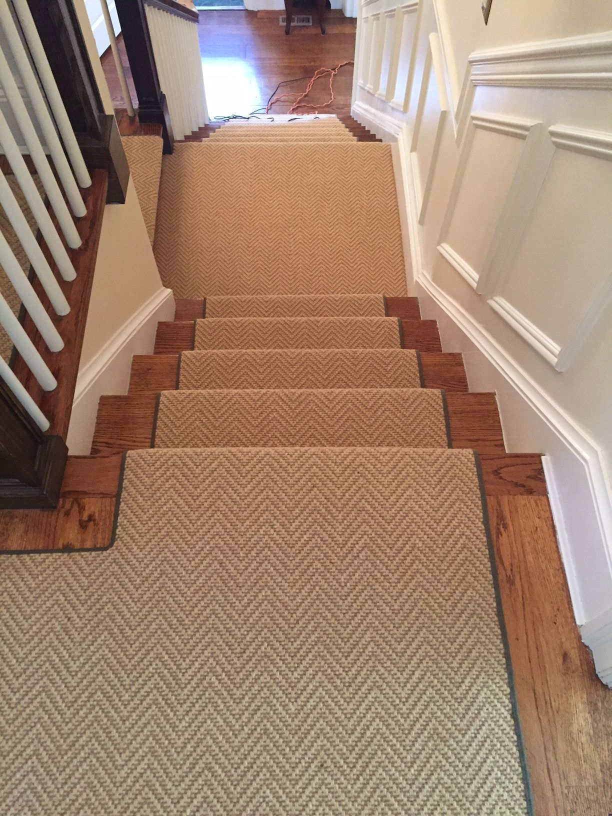 Install Of Herringbone Patterned Carpet On Steps And Landing With   Patterned Carpet For Stairs And Landing   Carpeting   Middle Open Concept   Diamond Uk Pattern   Striped Stair Carpet Entrance   Victorian Style