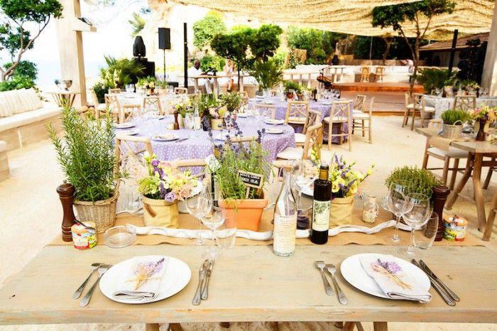 21 Hochzeit Frankreich Dekoration Kraeuter Lavendel Wedding