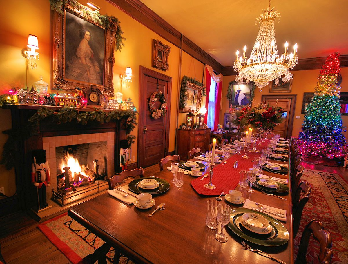 The Grand Reynolds Mansion B B In Asheville Dining Room Table