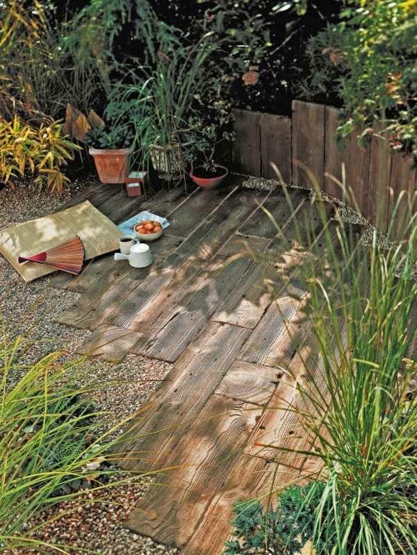 rustikale sitzecke garten holz kiesel steine | outside | pinterest, Gartenarbeit ideen
