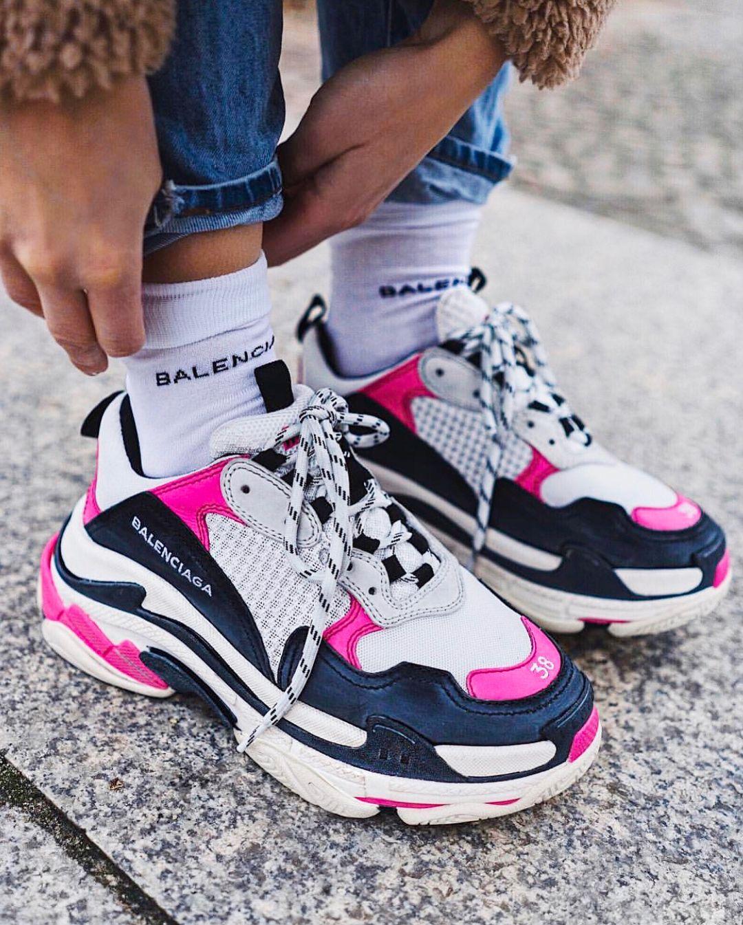 HOT OR NOT Dad Sneakers Eles so definitivamente a tendncia polmica da vez Marcas
