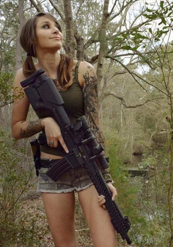 guns Sexy girls with