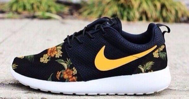 Nike Roshe Yellow
