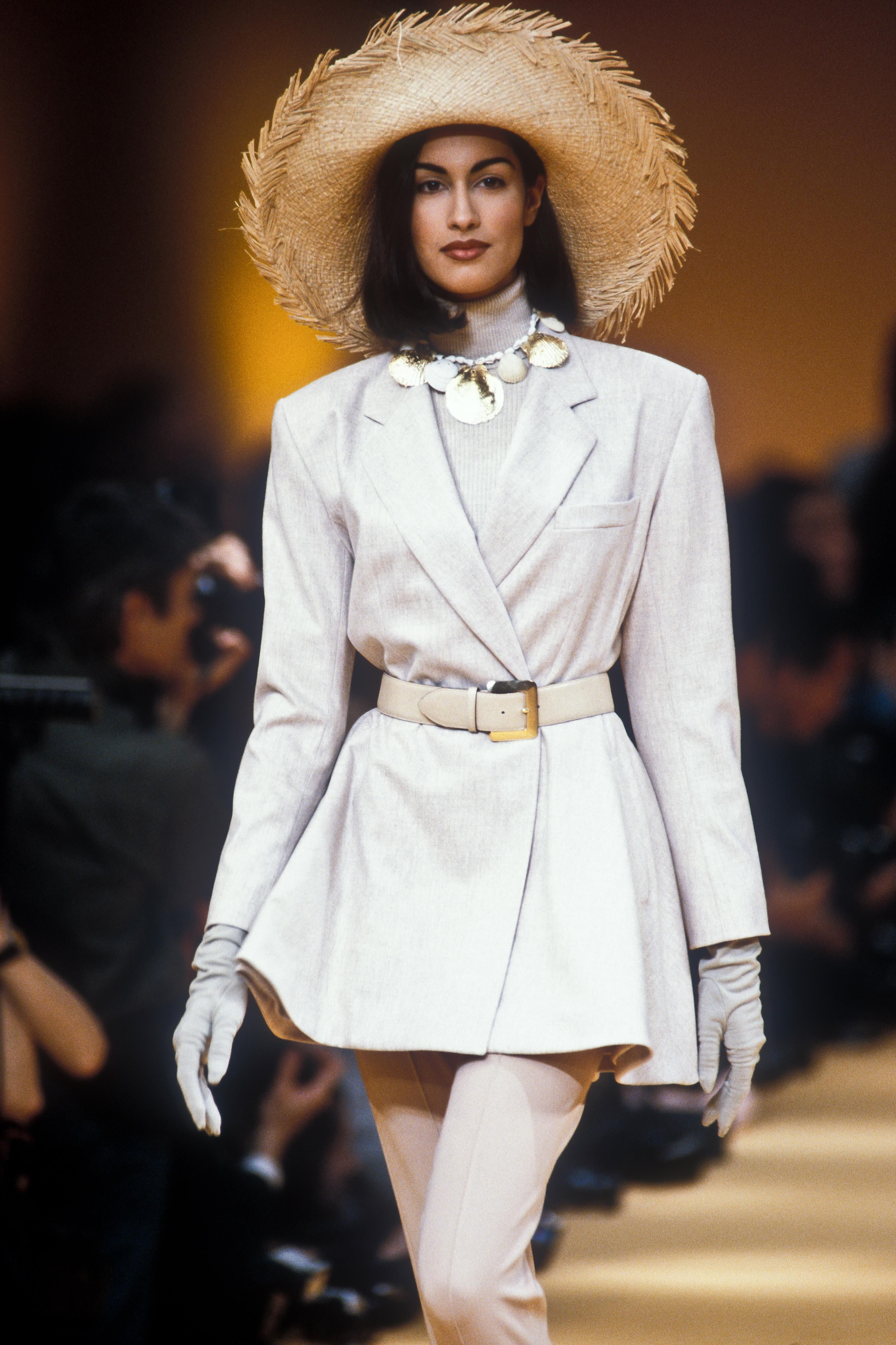 4404cd9d Kenzo Ready-To-Wear Fall/Winter 1991 | Best Runway Moments from 80s ...