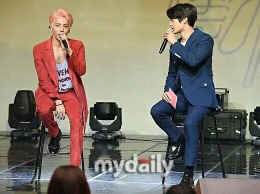 """#MINHO como MC hoy en el showcase """"SHE IS""""de Jonghyun su compañero de Shinee. (23/Mayo /16) Cr.logo"""