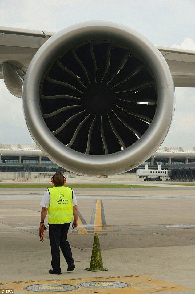 Aviation Avgeek Aviation Blogger Airbus Boeing Cessna Boeing 707 717 727 737 747 77 Aircraft Maintenance Engineer Aircraft Maintenance Manual Life Flight