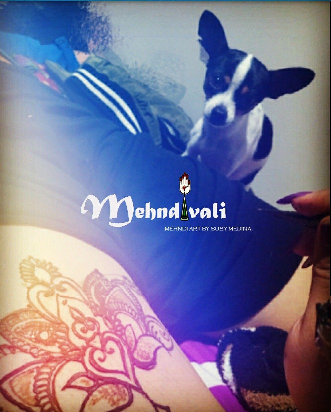 La parte difícil de esto es, que a veces, trabajo bajo la supervisión de jueces muy duros. #henna #mehndi #hennamexico #mehndimexico #tatuajesdehenna #mehnditattoo #tattoo #mehndiart #Aguascalientes #México #dog #pets #doglove