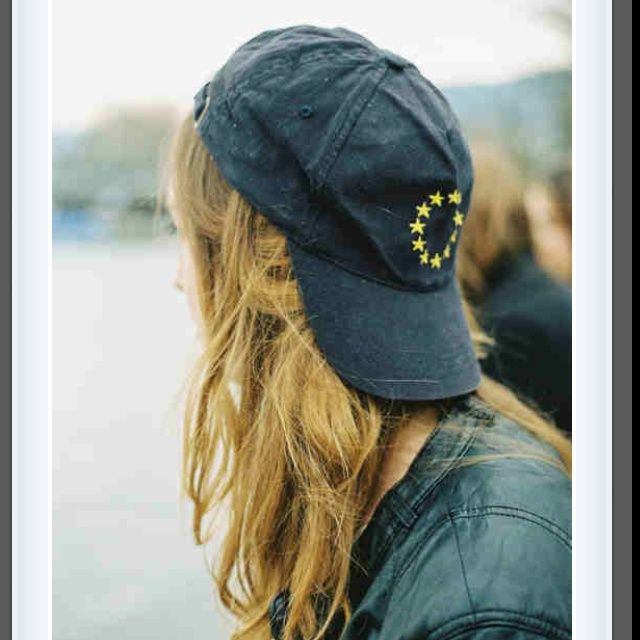 Backwards Hat Casual Clothess Pinterest Cap Girl Baseball Hats Hat Hairstyles