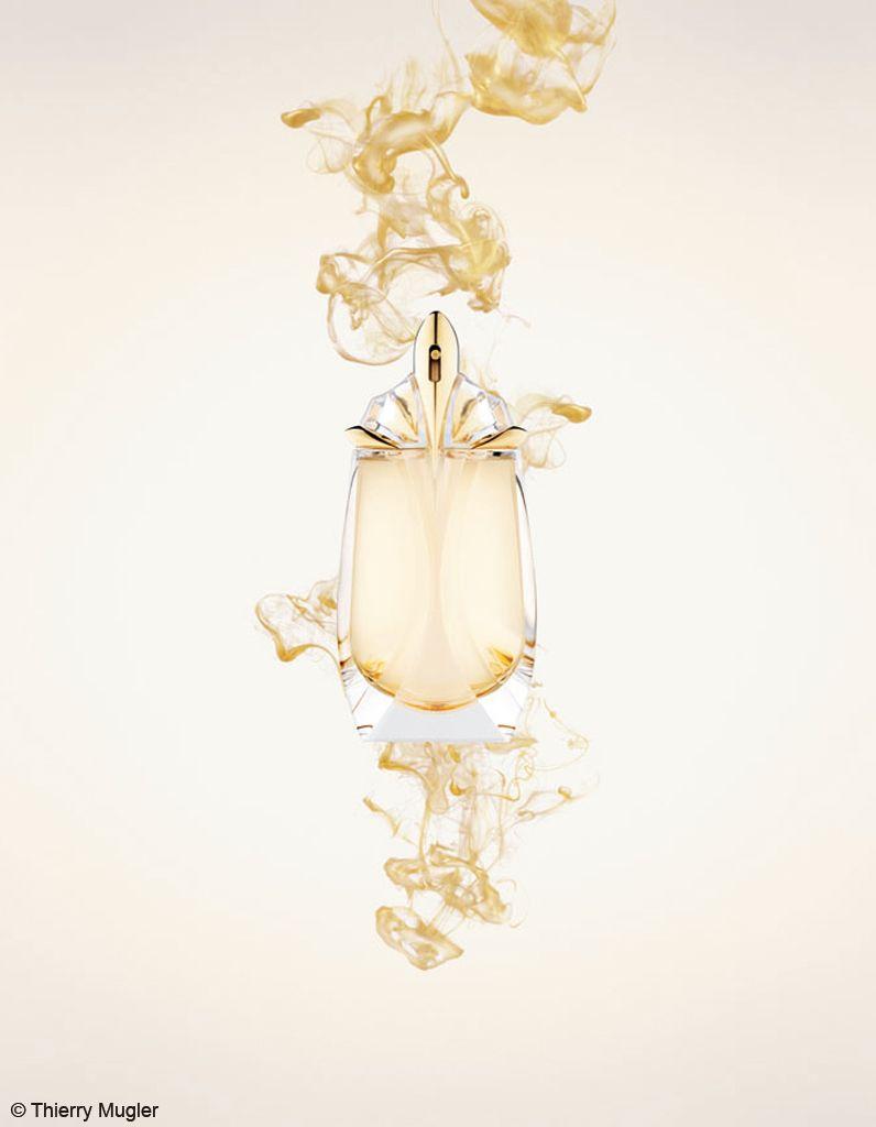 Parfum Du Jour - Alien Eau Extraordinaire  Une révélation florale lumineuse à travers l'Essence de Néroli, une révélation boisée incandescente avec la Fleur de Tiaré, et enfin, une révélation ambrée bienveillante grâce aux volutes suaves de l'Héliotrope. Eau De Toilette 60ml : 133dt  #Fatales #Fragrance #Mugler #Alien