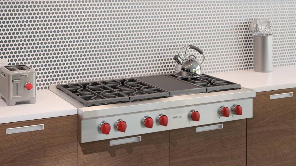 12 Easy Ways to Update Kitchen Cabinets   HGTV in 2020 ...