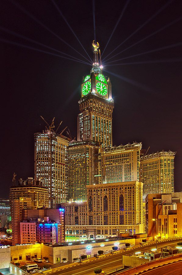 Makkah Royal Clock Tower At Mecca Saudi Arabia By Night Mosque Architecture Mecca Masjid Grand Mosque
