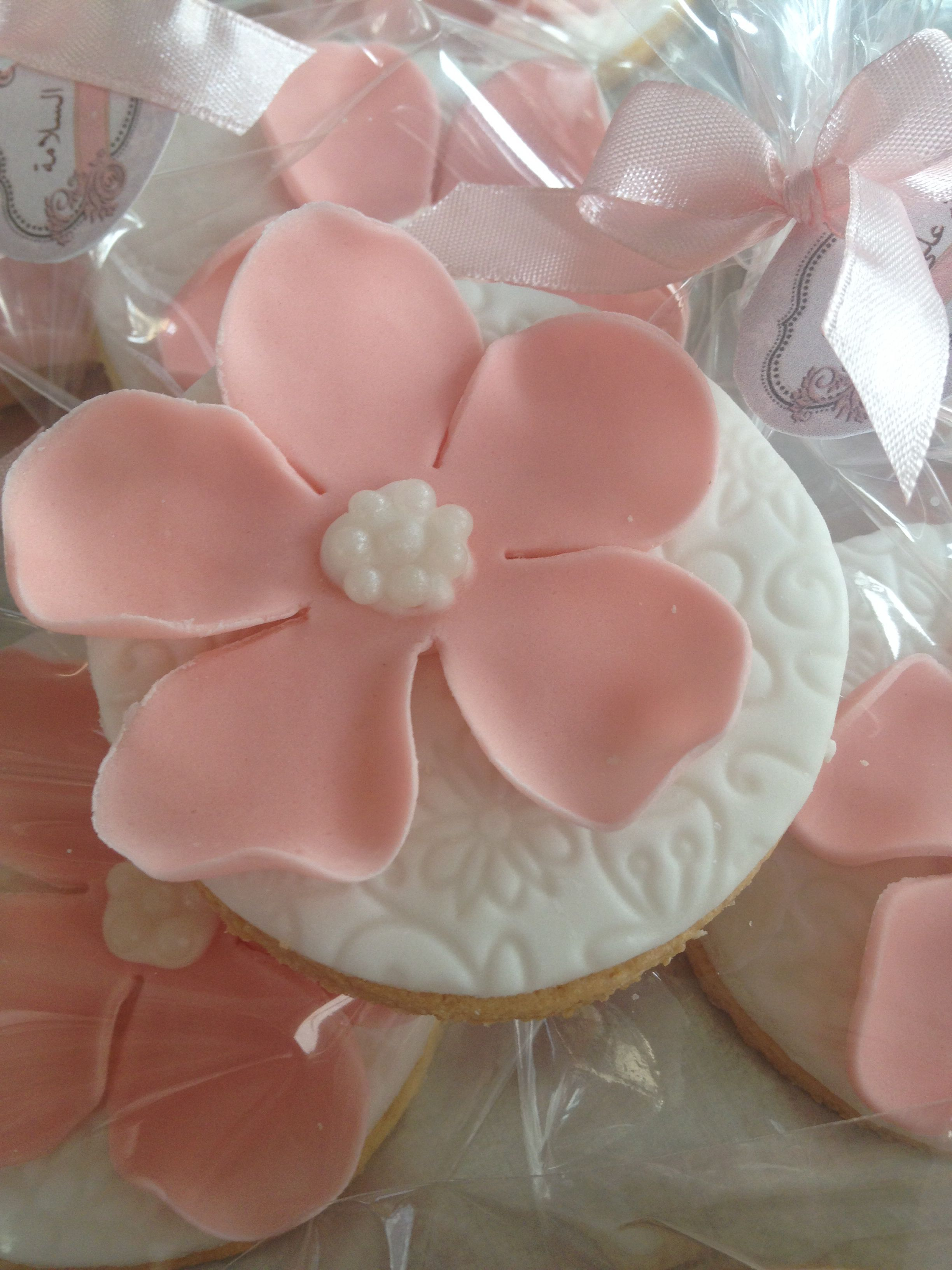 Lace and pearls pink flower cookies