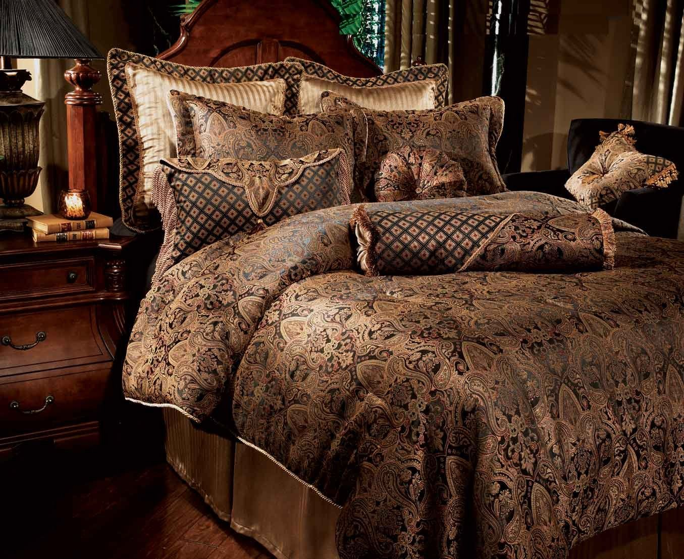 Luxury Designer Comforter Sets Amazing Luxury Bedsheets To Create Luxurious Bedroom Decorating Design Bed Linens Luxury Luxury Bedding Luxury Bedding Sets