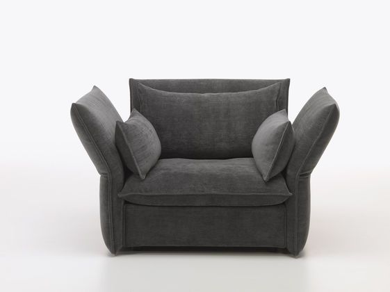 Love Seats Stoelen.The Mariposa Love Seat Provides Spacious Seating For One Person Or