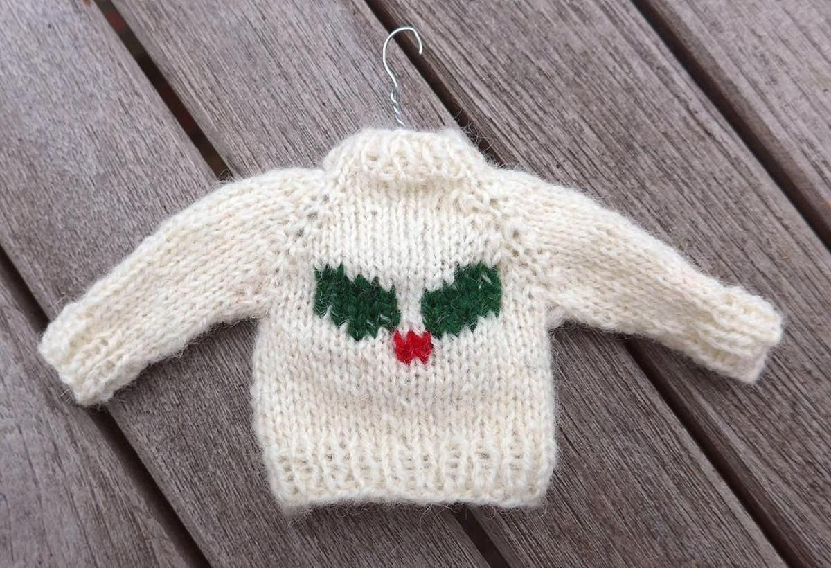 Free knitting pattern for Mini Christmas Sweater | Craftsy | Crafts ...