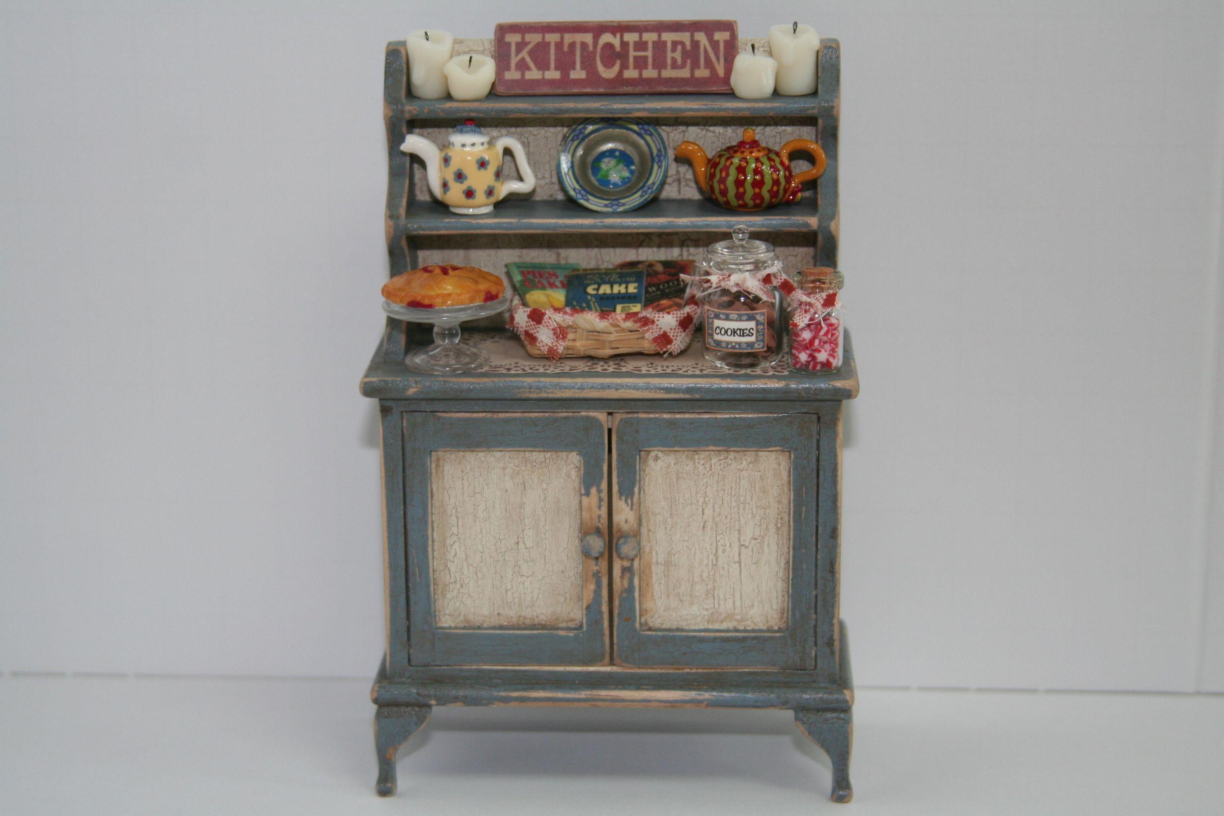 miniature doll furniture. Menuartminiatures.com Miniature Doll Furniture I