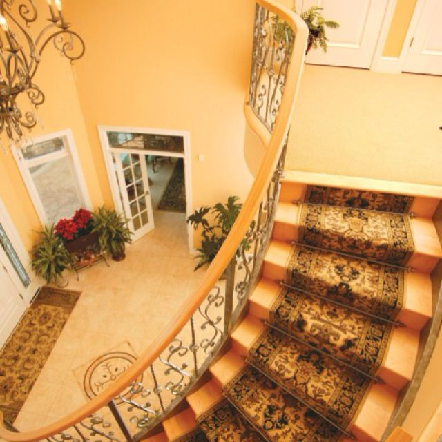 20 Excellent Traditional Staircases Design Ideas: Staircase Railing Ideas From Houzz.com