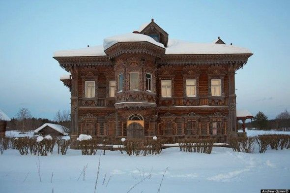 This beautiful abandoned wooden masterpieces captured by photographer Andrew Qzmn . The houses are in very good condition remained unattainable by their location deep in the Russian forests. Even the interior is still in as it was when the house was abandoned. There are MANY more photos on this neat website. Click on in - enjoy.