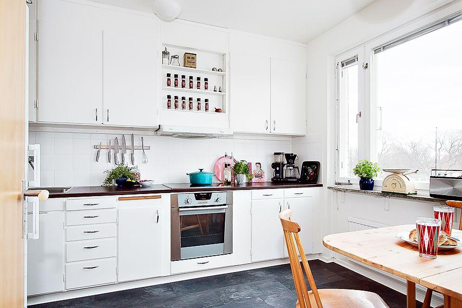 Retro Design Keuken : Retro design apartment in sweden. scandinavian home design