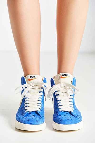 buy popular 9b723 5e104 Nike Womens Blazer Mid Suede Vintage Sneaker - Urban Outfitters